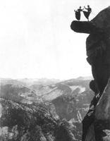 Femmes sur Overhanging Rock