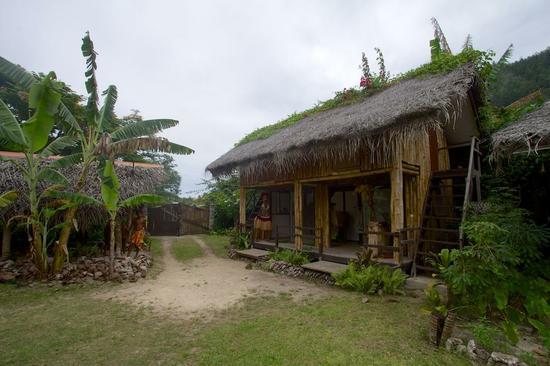 tiki-village